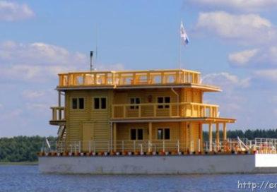 Дома на воде: плавучее жилье в России становится популярным