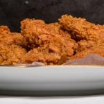 О ХРУСТЯЩИХ КУРИНЫХ КРЫЛЬЯХ И ФАСТФУДЕ (crispy chicken wings)